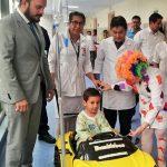 niños_conducen_a_sus-cirugías_interior